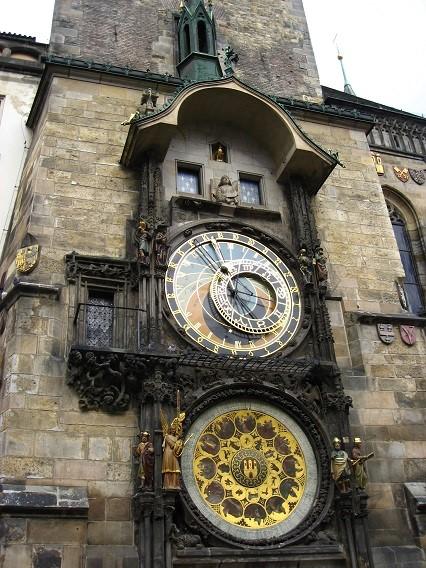 ウィーン広場大きな時計