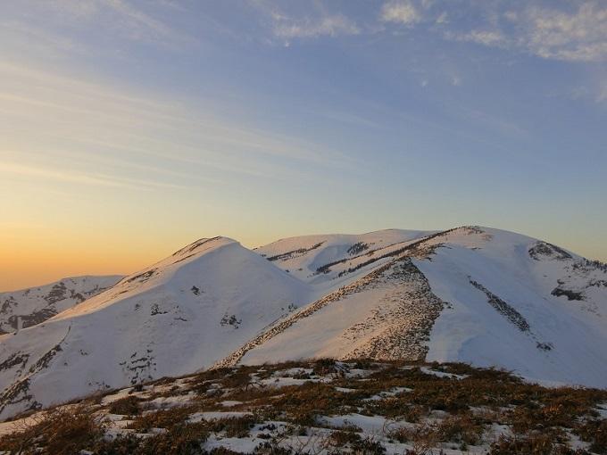 朝明の田舎の山