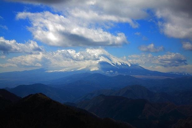 鍋割山の山頂からの景色