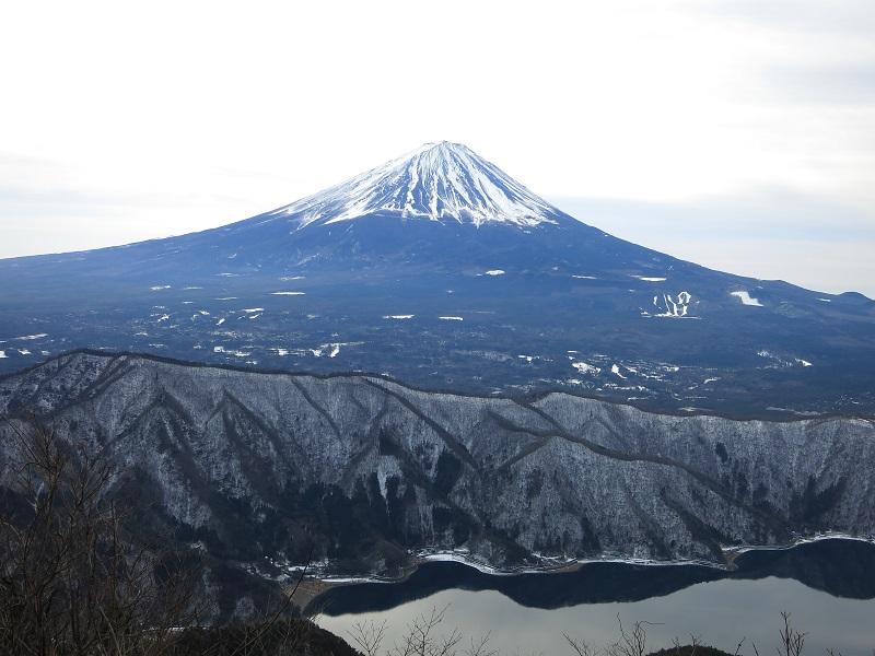 十二ヶ岳から富士山の景色