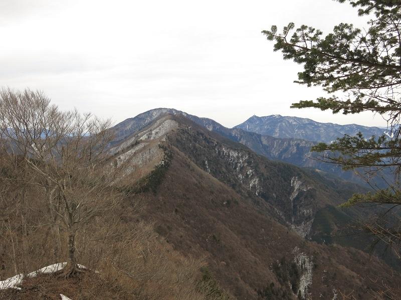 目指す黒岳