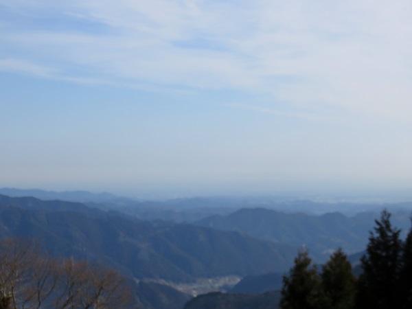 御嶽神社の参道からの景色