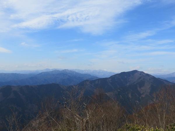 奥多摩三山からの眺め