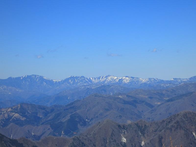 本社ヶ丸周辺から見る甲武信ヶ岳景色