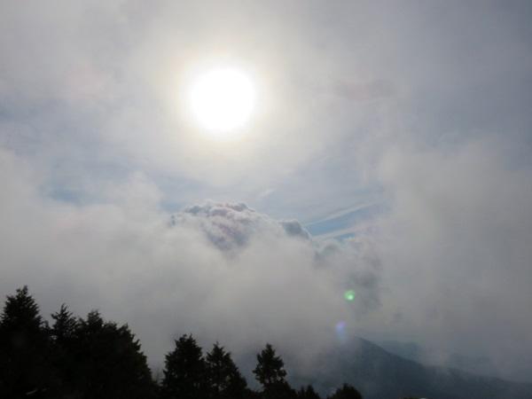 花立山荘からの景色凄い雲