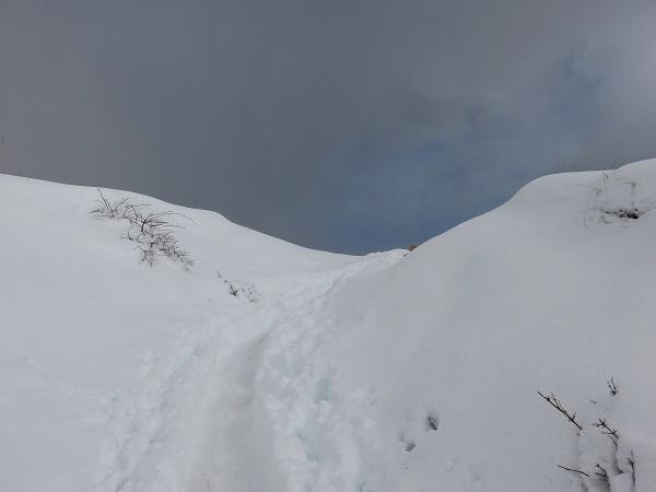 花立山荘大雪