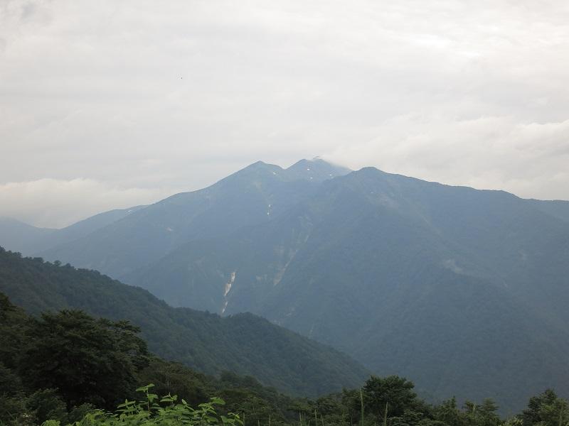 天神平から朝日岳景色