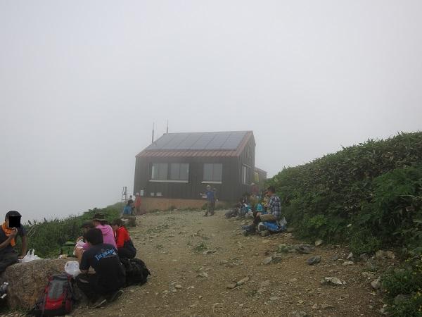 谷川岳肩の小屋