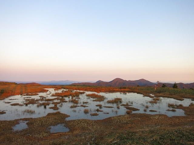 平ヶ岳の最高点周辺の池塘