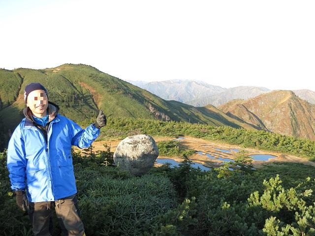 平ヶ岳の玉子石遠望