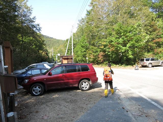 鷹ノ巣登山口の駐車場