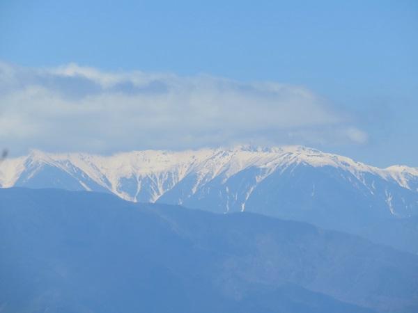 五湖山から南アルプスの稜線