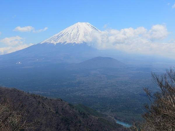 釈迦ヶ岳・三方分山富士山景色