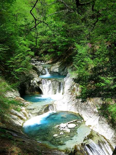 七ツ釜五段の滝の上部