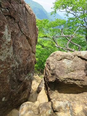 曲岳変化に富んだ面白い登山コース