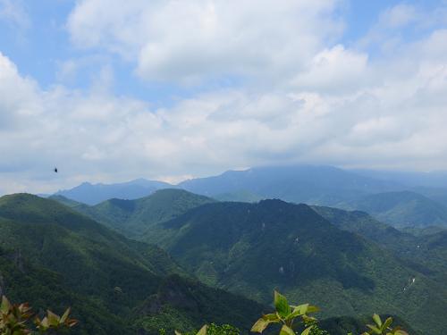黒富士展望台からの瑞牆山・金峰山景色