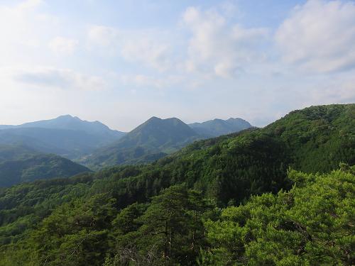 白山展望台歩いて来た茅ヶ岳・金ヶ岳・曲岳・黒富士・太刀岡山を一望
