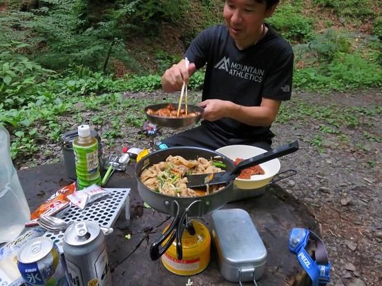 三条の湯テント食事