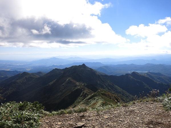 武尊山剣ヶ峰山方面も素晴らしい景色