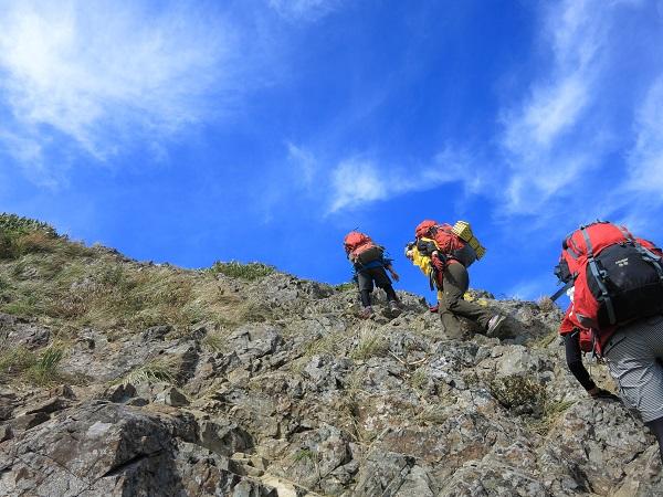 谷川岳西黒尾根テント泊装備で登るような尾根じゃない