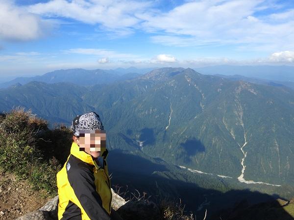 谷川岳の山頂の景色