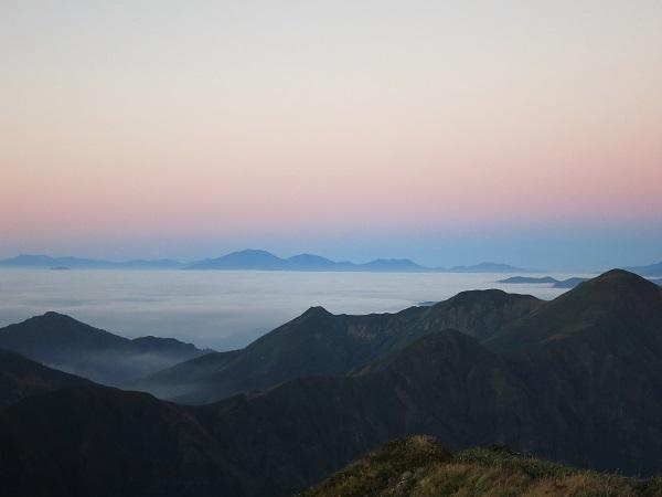 谷川岳静寂と雲海の世界
