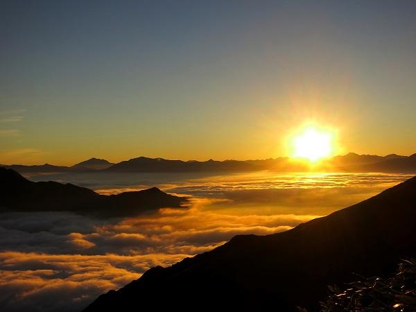 谷川岳馬蹄形縦走路の雲海