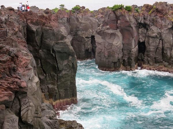 城ヶ崎海岸の断崖絶壁の迫力