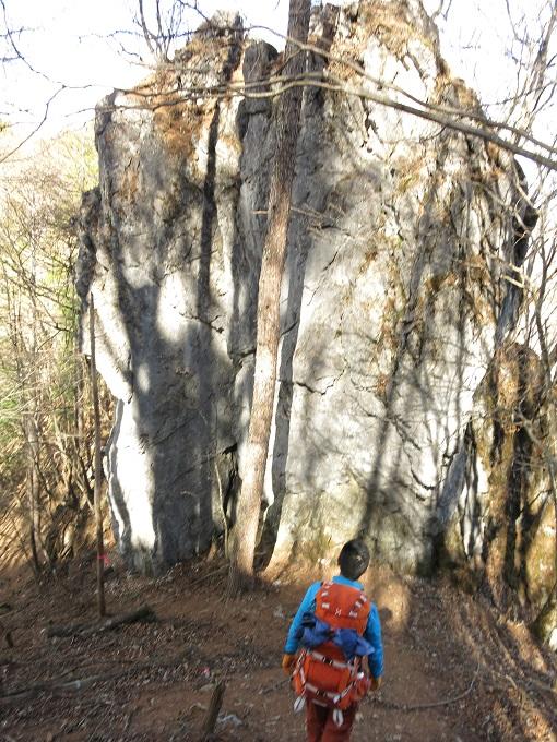 岩梵天尾根巻き道