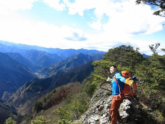 景色が開ける場所ぼんてん様の様な登山者