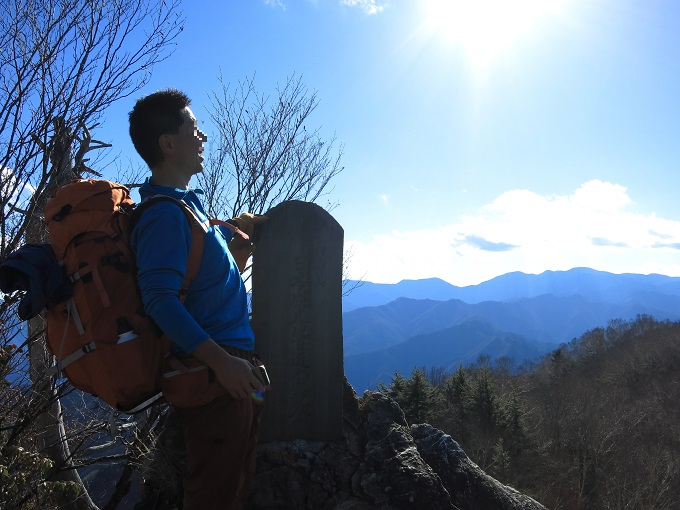両神山剣ヶ峰の山頂