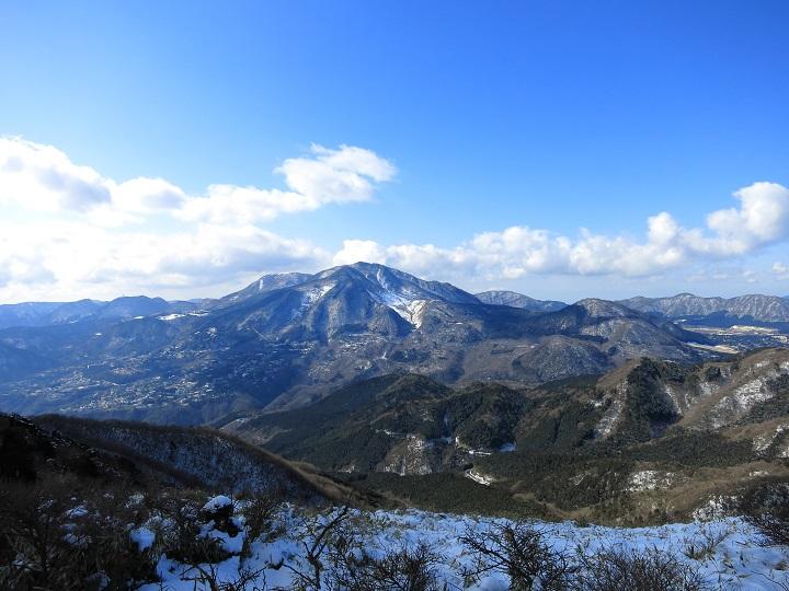 明神ヶ岳の稜線箱根最高峰神山大涌谷
