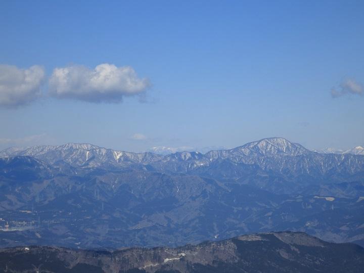 金時山綺麗な雪景色