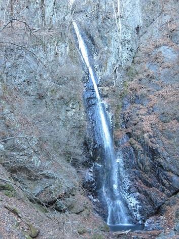 小菅の名瀑白糸の滝
