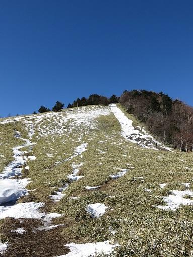 石丸峠からの熊沢山の雪景色