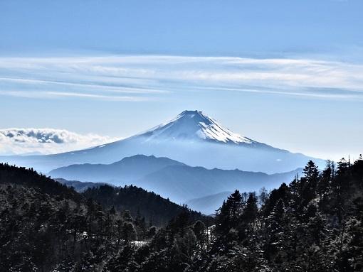 大菩薩嶺・小金沢山付近からの景色