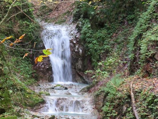 玄倉・丹沢湖小さな滝