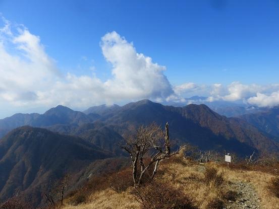 蛭ヶ岳山頂からの富士山の眺め