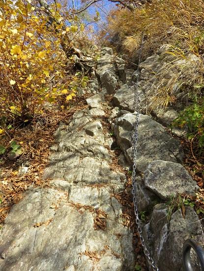 蛭ヶ岳直下の鎖場丹沢主稜縦走の核心部