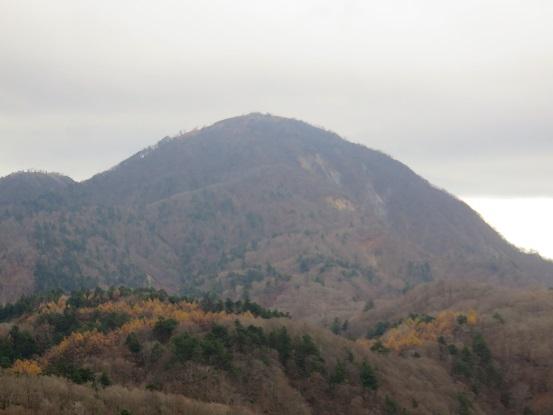 袖平山からアップの蛭ヶ岳