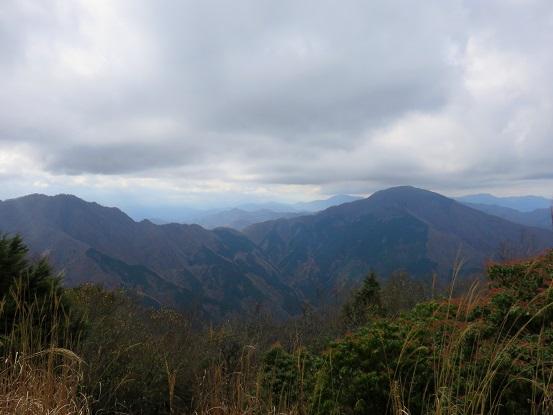 袖平山からの展望大室山、桧洞丸