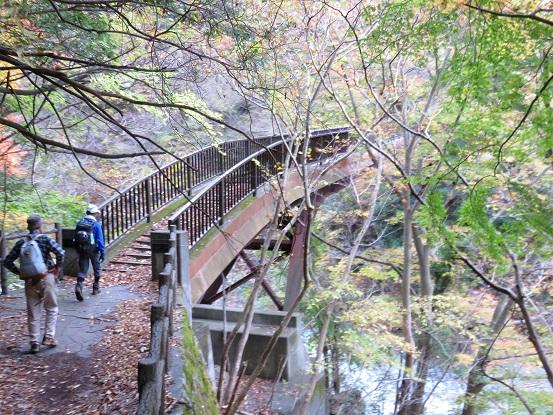 風巻尾根の入口橋