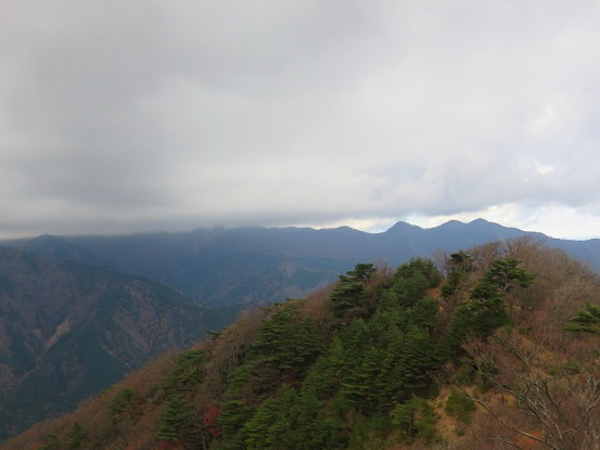丹沢三峰アップダウン