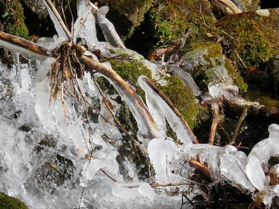 水場(山ノ神)氷