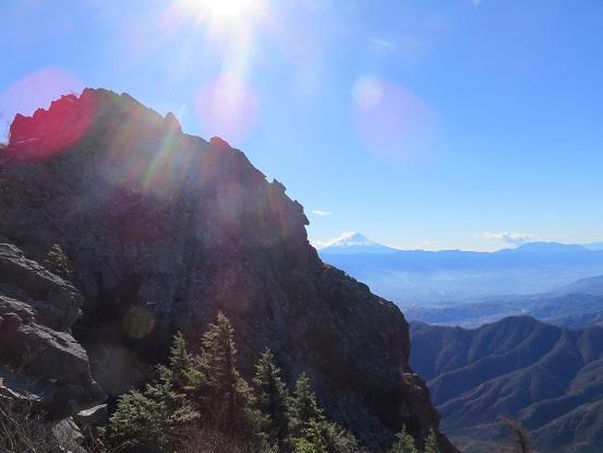 乾徳山と富士山の夢のコラボ