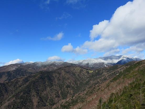 笠盛山周辺からの北奥千丈岳方面の展望