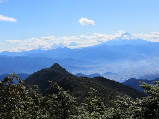 黒金山から乾徳山