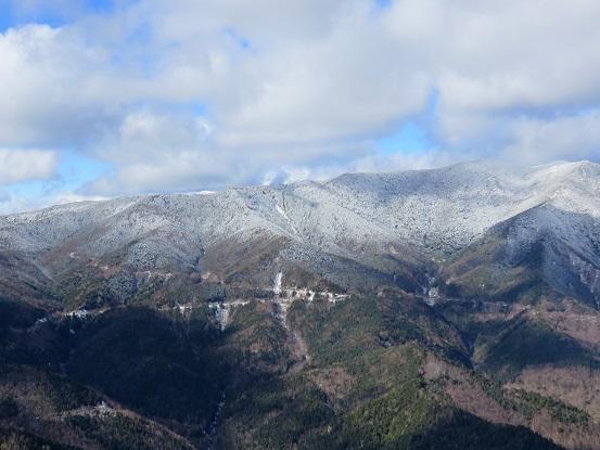黒金山の山頂幻想的な雪化粧