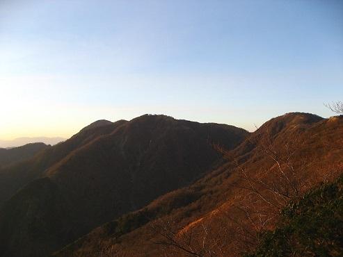 不動ノ峰と臼ヶ岳方面夕日