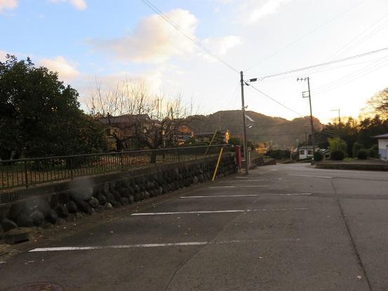 洒水の滝の入口にある駐車場(無料)